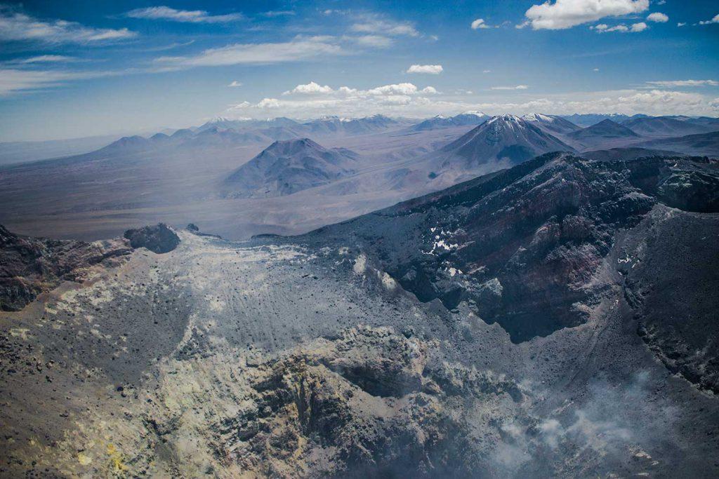 Columna de opinión Alba Dávila: La importancia del trabajo científico en la reducción del riesgo volcánico